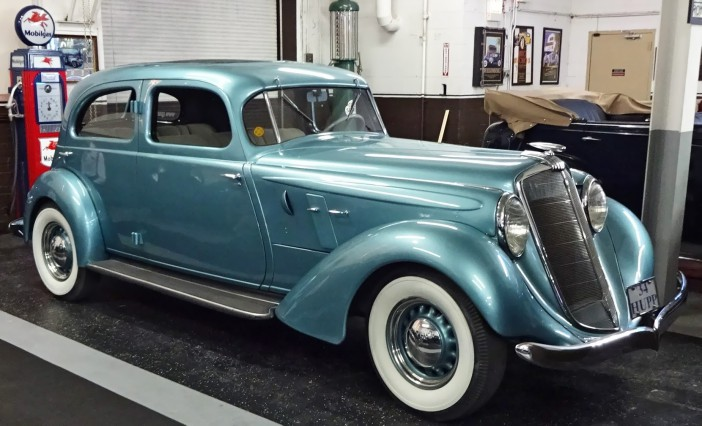 1934 Hupmobile 427-T Eight Sedan