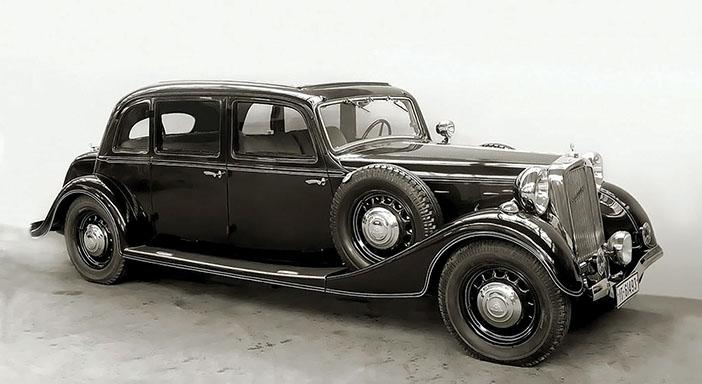 1935 Maybach SW35 limousine bw